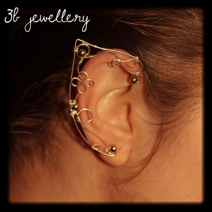 We are back with our jewellery submissions!💍💎 My daughter asked very simple elven ears for her LARPing and cosplaying so I created the earwraps. She is still wearing them and makes her mama proud.❤️❤️❤️ #3bjewellery #wirewrapping #earrings #earwraps #elven #ears #elf #pointy #ear #cosplay #larp #silver #plated #wire #simple #design