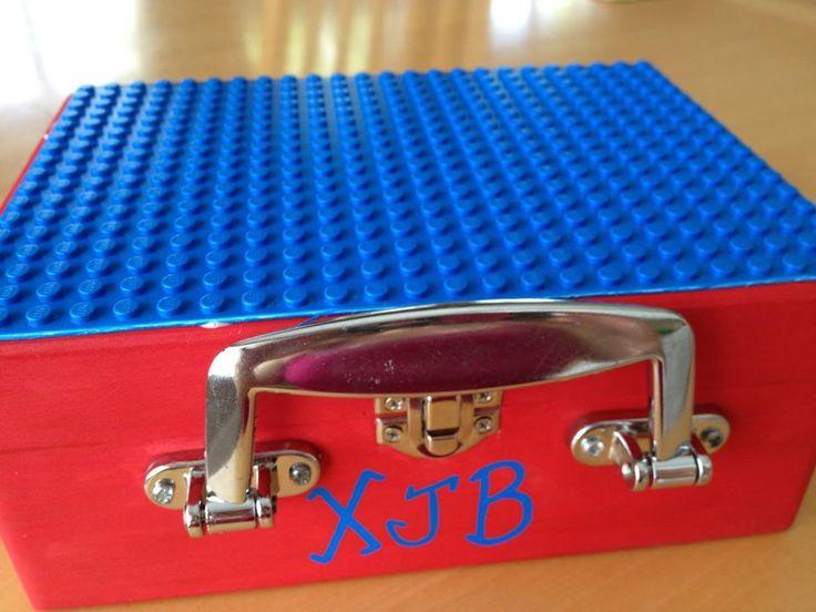 Lego Box travel combine with the tackle box snack idea.. genius!