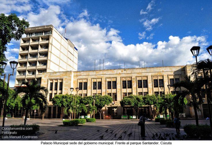 Es la sede del gobierno municipal de Cúcuta. Se ordenó su construcción por acuerdo del cabildo el 11 de junio de 1941.