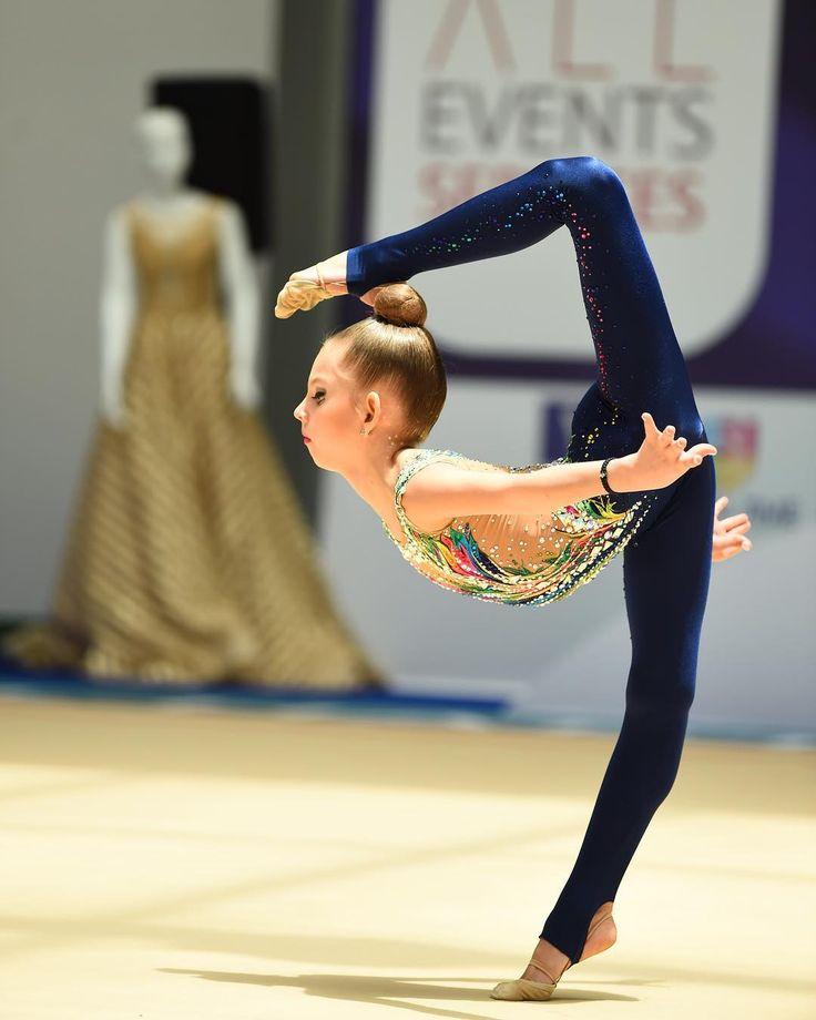 2,166 отметок «Нравится», 4 комментариев — 🇷🇺 Rhythmic Gymnastics 🇷🇺 (@podolskiye_rodnichki) в Instagram: «✨🇦🇪✨#Dubai ✅#АнгелинаДмитриева  2️⃣0️⃣0️⃣7️⃣ #бронзовыйпризер #многоборье 🥉#чемпионатОАЭ…»