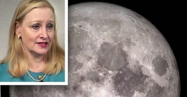 3 UFO's spotted LANDING on the moon says former NASA contractor Dona Hare http://www.disclose.tv/news/3_ufos_spotted_landing_on_the_moon_says_former_nasa_contractor_dona_hare/126011?utm_content=buffer25447&utm_medium=social&utm_source=facebook.com&utm_campaign=buffer