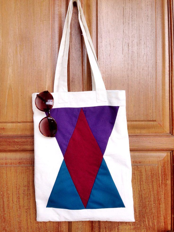 Gunks -totebag color triangle- IDR 130.000 #gunks#totebag#color#triangle#indonesia#quilt#art