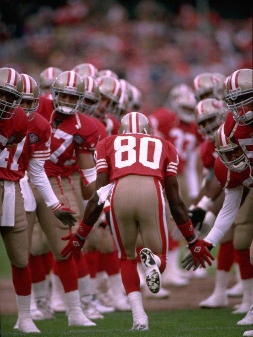 Jerry Rice, the greatest of all time during pre game introductions. #rebuildingmylife