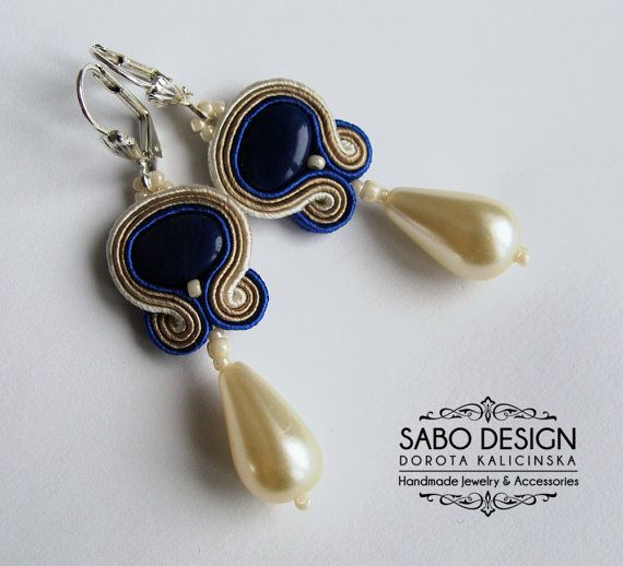 Bridal soutache earrings handmade navy blue ecru by SaboDesign. Perfect as a gift for your bridesmaids.