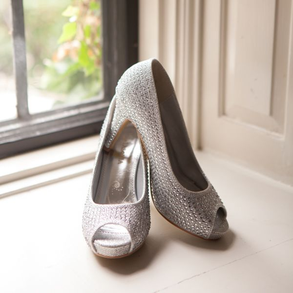 Silver Glitter Wedding Shoes by Lasonia‬. photo: www.eyecontact.ca