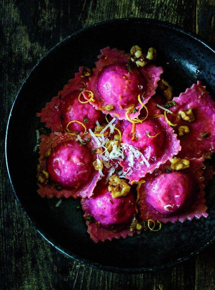 Rote-Beete-Ravioli mit Orangen-Walnuss-Butter