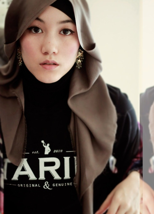 earrings and scarf / hijab. Wrap tutorial video: http://hanatajima.tumblr.com/post/6064814854/for-all-the-details