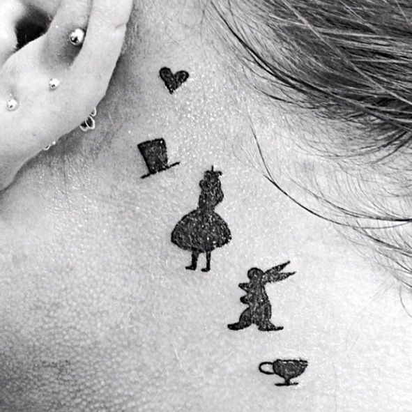 Alice In Wonderland tattoo omg that awesome