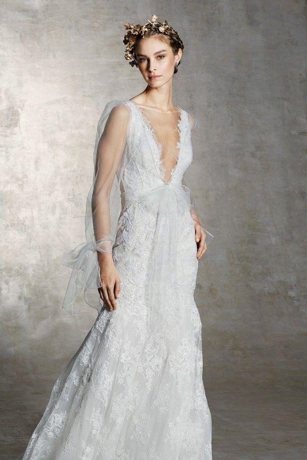 98fa6a8ea2ce Abiti da sposa 2019  le tendenze moda dalle bridal week - Vogue.it