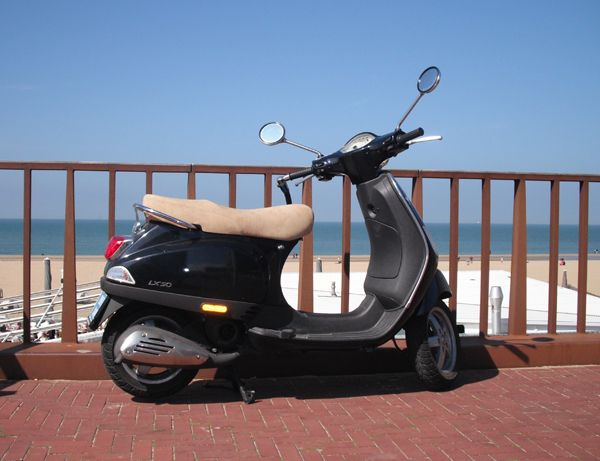SCOOTER DEALERS & REPAIR SHOPS THE HAGUE AREA If you are looking to purchase a scooter, moped or motorcycle, or get one repaired, in Den Haag, Delft, Scheveningen, Wassenaar, Rijswijk, Voorburg or Leidschendam, this list of shops will come in handy... https://www.angloinfo.com/south-holland/directory/south-holland-scooter-sales-service-the-hague-area-858