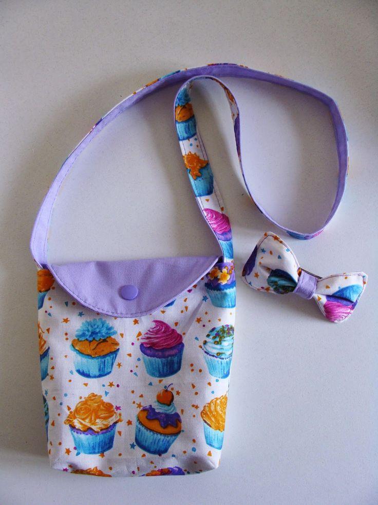 Le week-end dernier, je devais le passer à la mer avec des amies. J'avais fabriqué un cadeau pour la petite Alice: un sac et la barrette...