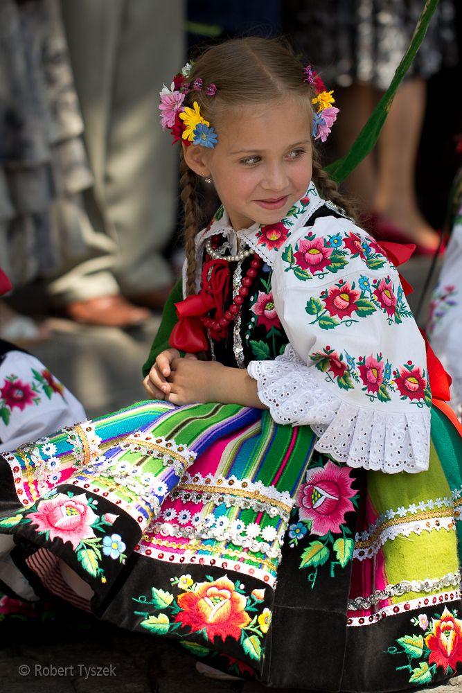 Łowicz, Poland. Girl in traditional costume (strój łowicki).