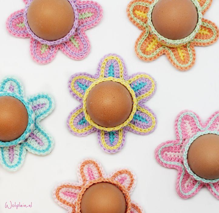 Wil jij ook deze snoezige eierdop haken? Gebruik vrolijke garen en zorg dat jouw…
