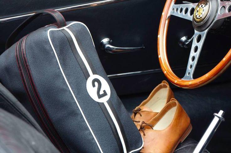 Cet été mon Jules part au golf avec ses chaussures bien rangées dans un sac à chaussures style #retro #retrochic ! #chic #sac #chaussures #golf #formule1 @entre2retros sur www.ventescreateurs.com en juin