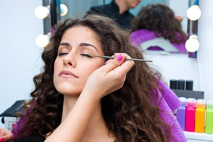 £24 instead of £399 (from SMART Majority) for an online makeup artist course - learn the tricks of the trade & save 94%