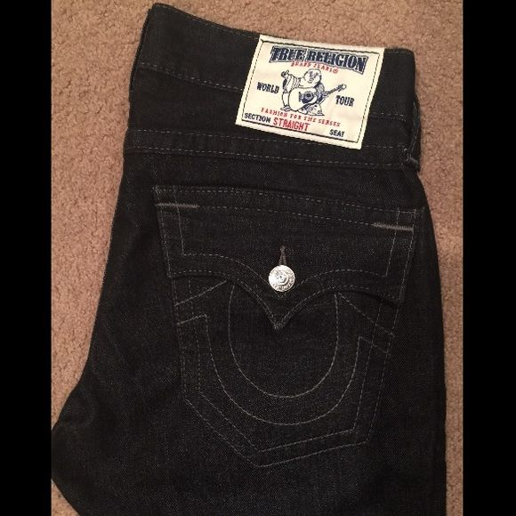 Mens True Religion Jeans! Mens True Religion Dark Denim! Worn a Few Times , Hand Washed Only! Straight Leg Waist - 31 Length - 34 True Religion Jeans Straight Leg