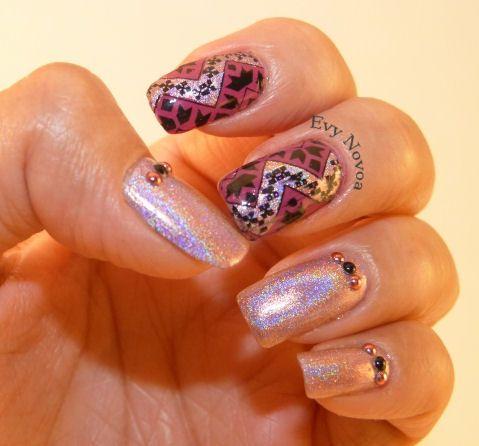 holographic nail art #nailart #stampingnailart #stamping #nailart #mani #uñas #diseñodeuñas #uñasestampadas #holographicnails
