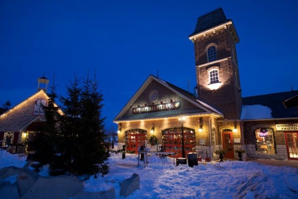 Winter view of Firehall Pizza, in the Blue Mountain Village