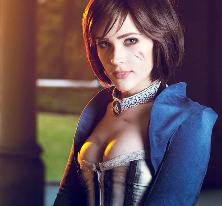Eve Beauregard as Elizabeth
