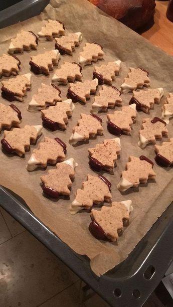 Weihnachtsplätzchen: Verschneite Nougat-Tannen – Zimtblume – Food & Travel Blog: Kochen, Backen, Reisetipps