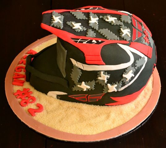 1000 Images About Helmet Cakes On Pinterest Motocross