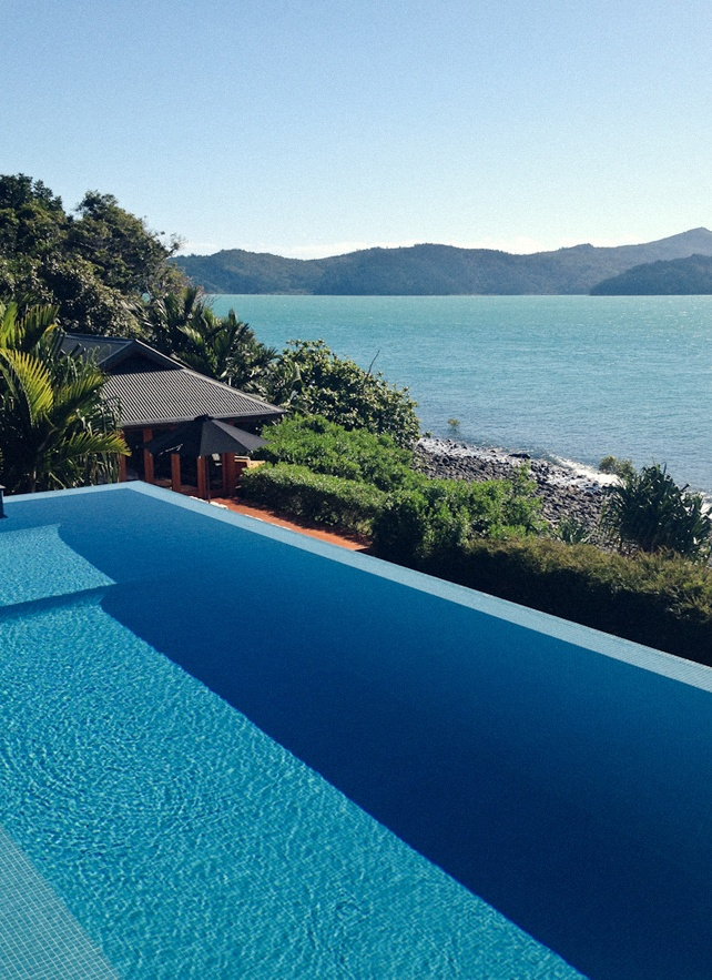 Relais & Chateaux - Situated on the secluded northern-most tip of Hamilton Island, qualia is owned by Bob Oatley, a winemaker and award-winning sailing enthusiast who is passionate about showcasing his country's superb natural beauty. Qualia, AUSTRALIA. #relaischateaux #pool
