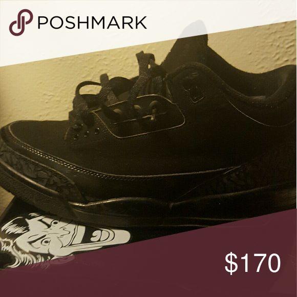 Air jordan retro 3 Black Cat 3s from 07. Very good condition Jordan Shoes Sneakers