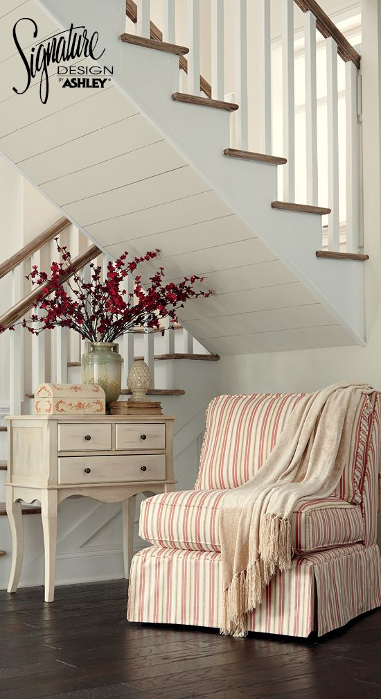 Accent Chair   Vintage And Casual Furniture Style   Ashley Furniture
