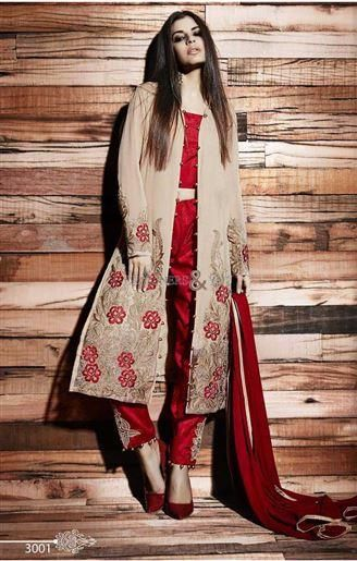 This #Latest #Pakistani #fashion #dress will transform you from simple to…                                                                                                                                                                                 More