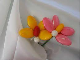 Risultati immagini per rosa carta crespa confetti