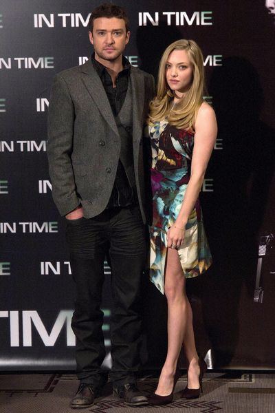 the 25 best amanda seyfried height ideas on pinterest amanda seyfried wiki amanda seyfried. Black Bedroom Furniture Sets. Home Design Ideas