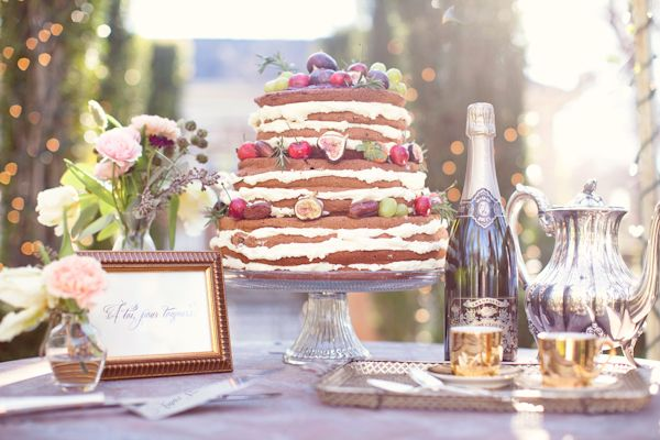 European-inspired vintage cake table