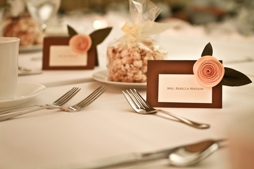 homemade wedding place cards with paper flowers