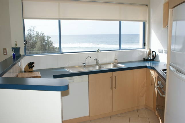 Aqua Shores Mollymook Beach apartment - $1800/week for 2 people (extra people $40 per night) sleeps 4, including linen