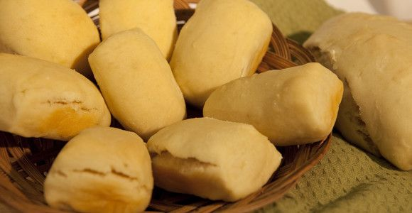 Luski (Mi'kmaq bread) - Luski is a traditional Mi'kmaq bread best enjoyed with friends and family by an open fire in the great outdoors. This recipe has been passed down through the generations by Mi'kmaq grandmothers. #canadian