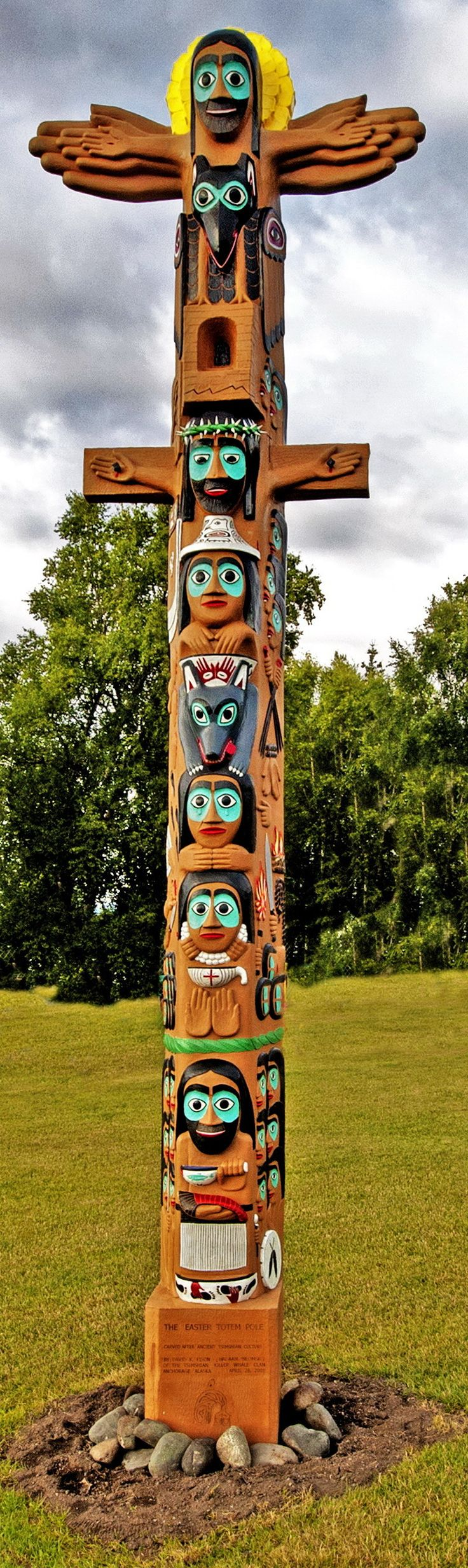 Native American  totem poles paintings | Christmas and Easter Totem Poles by David K. Fison | The Jesus ... | 123° pl   ☛ ۞     https://de.pinterest.com/grzegorztyrala/mitologia/