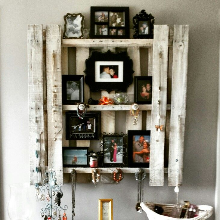 Pallet shelf jewelry holder