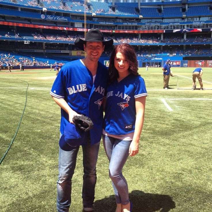 Paul Brandt at the Jays game