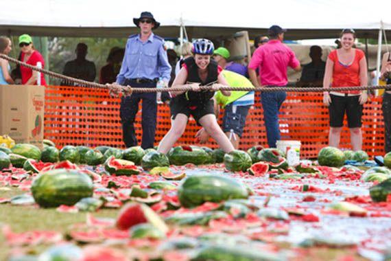 Chinchilla Melon Festival – Chinchilla, Queensland, Australia = Melon Sking
