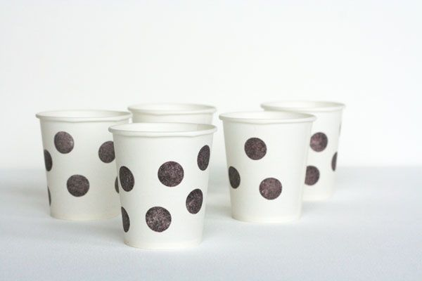 Seriously...how cute is this?  These would be awesome in maroon and gold for the tailgate lot!: Stamps Parties, Diy Ideas, Parties Cups, Stamps Cups, Creative Parties Ideas, Stamps The Cups, Dots Cups, Paper Cups, Diy Projects