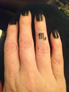 36 Minimalist Scorpio Zodiac Tattoo Ideas: Simple Scorpio Tattoos