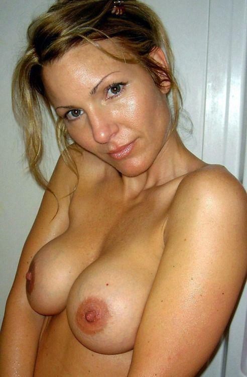 Naughty sexy nude milf — photo 2