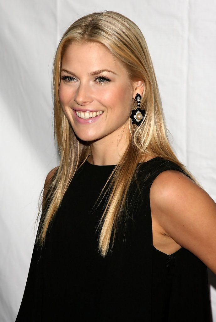 Splendid paragon of beauty Ali Larter ...Modish Dame... In 2009, Larter was named Cosmopolitan magazine's Fun Fearless Female of the year at a ceremony held in Beverly Hills