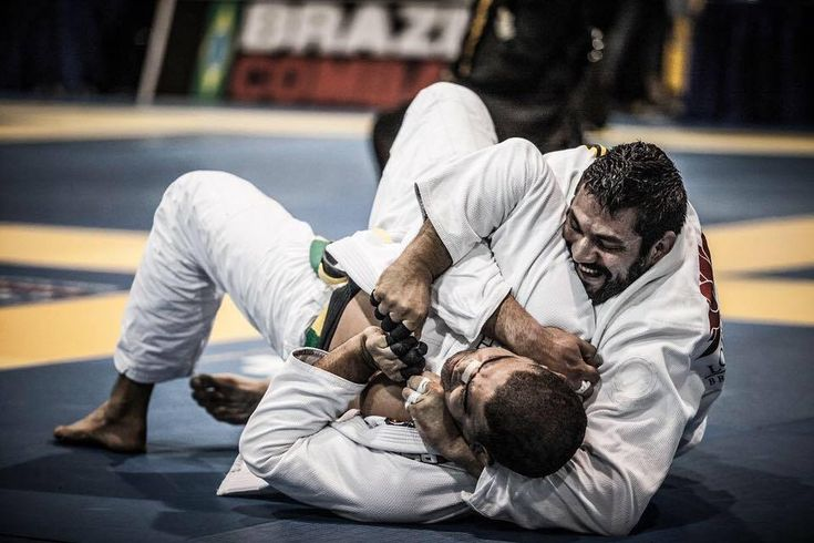 How Do You Avoid Injury In Jiu-Jitsu? Here Are 5 Ways To Stay Safer On The Mat  ||  Getting hurt is inevitable for anyone who trains jiu-jitsu seriously, but there are ways to reduce the risk of injury both to yourself and your training partners.  Perhaps the most important aspect of mitigating the risk of injury is doing your best to roll without pride or ego. Here are five ways to reduce the ……