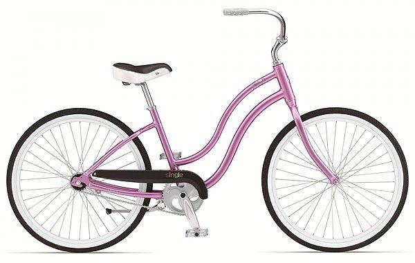 На Simple Single W не стыдно приехать на вечеринку в духе «Стиляги». От Giant – яркий розовый велосипед с удобным седлом и заниженной рамой, с вас – вечерний макияж, пышная прическа, розовое нарядное платье в белый горох и туфли на «манной каше».