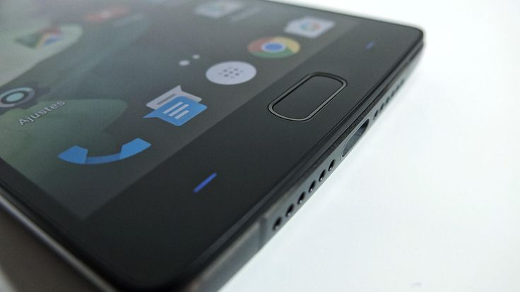 OnePlus 2 se corona como el smartphone con mejor calidad-precio. Noticias de Tecnología. El segundo móvil de la empresa china es una bestia que destaca por un diseño peculiar a la vez que elegante, una de las mejores cámaras del mercado, y un sensor de huellas ultrarrápido