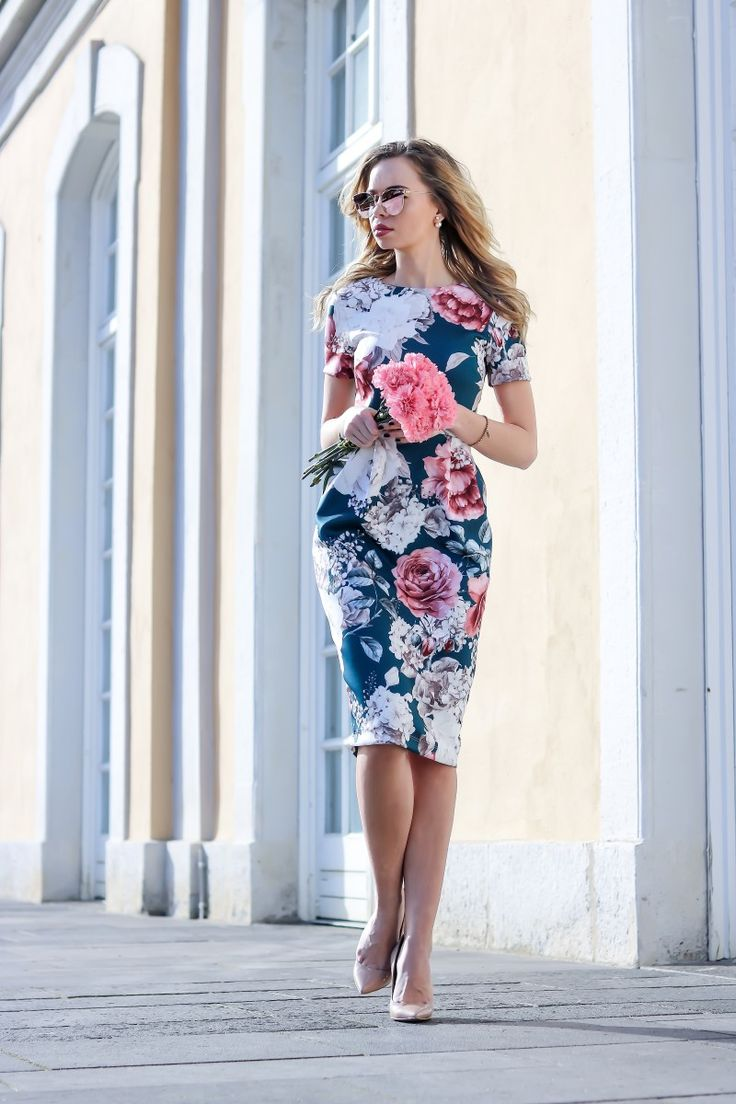 Outfit: Floral Dress for Spring Outfit inspiration für den Frühling, Midi dress, Pencil dress, Bleistiftkleid, Blumenprint,  flowers, Spring Look, Asos, Wedding, Hochzeit - mehr auf www.my-philocaly.com