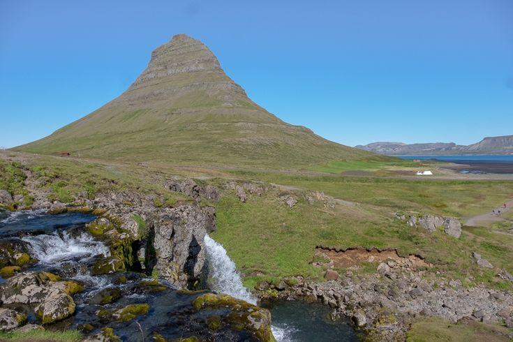 Krater, Gletscher, Strände, Wasserfälle, Fischerdörfer und vieles mehr. Es ist wenig verwunderlich, dass Snæfellsnes gerne…