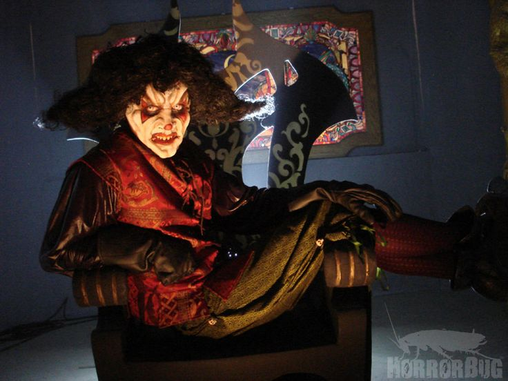 Trent Haaga returns to don the clown makeup as Killjoy, making this his third straight Killjoy movie as the terrifying title character.
