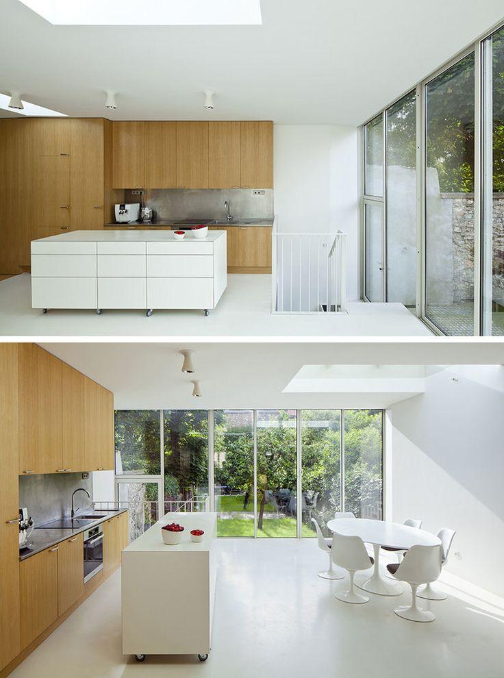 Еще один пример минималистского кухонного острова на колесах.  (кухня,дизайн кухни,интерьер кухни,кухонная мебель,мебель для кухни,индустриальный,лофт,винтаж,стиль лофт,индустриальный стиль,современный,интерьер,дизайн интерьера,мебель,минимализм) .